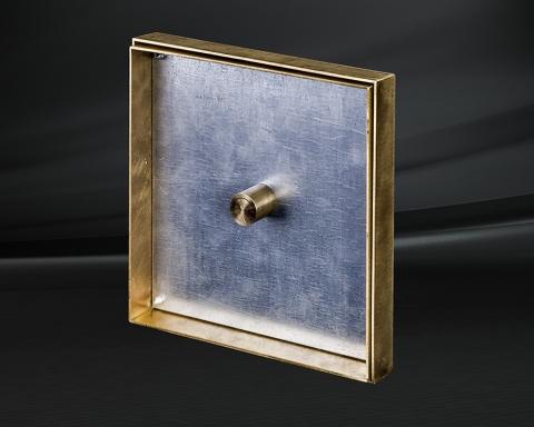 Вынимаемый напольный люк из латуни
